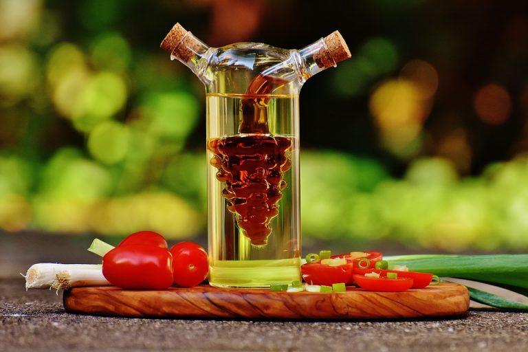 Vinegar Uses In Garden